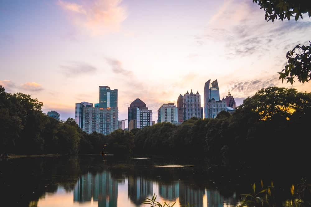 Best Airbnbs in Atlanta Featured Image