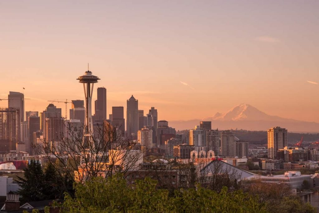 Best Airbnbs in Seattle Featured Image