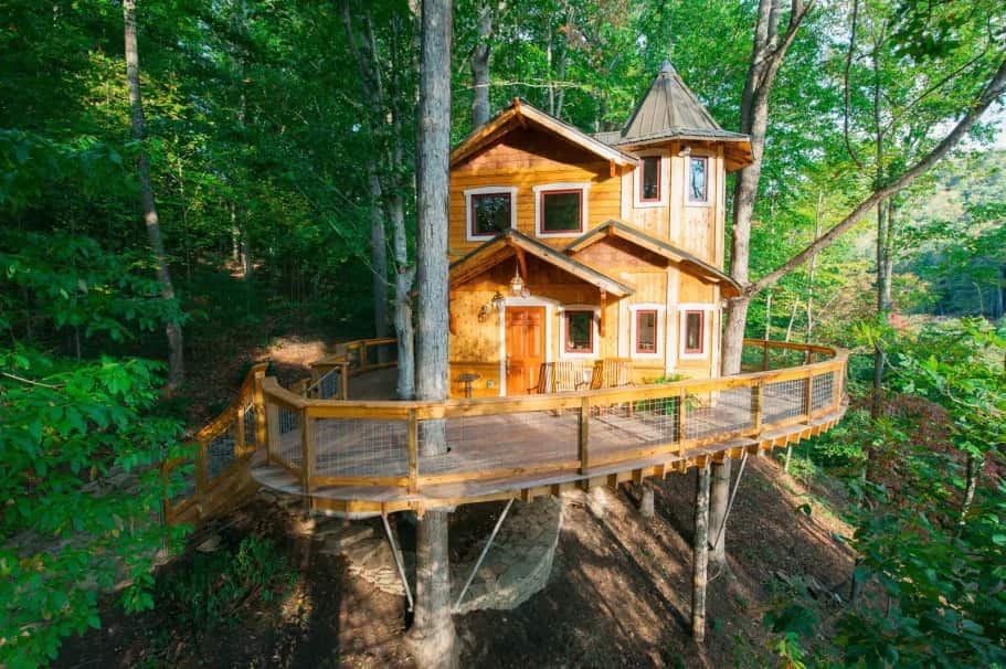 Asheville's Luxury Treehouse Airbnb in North Carolina