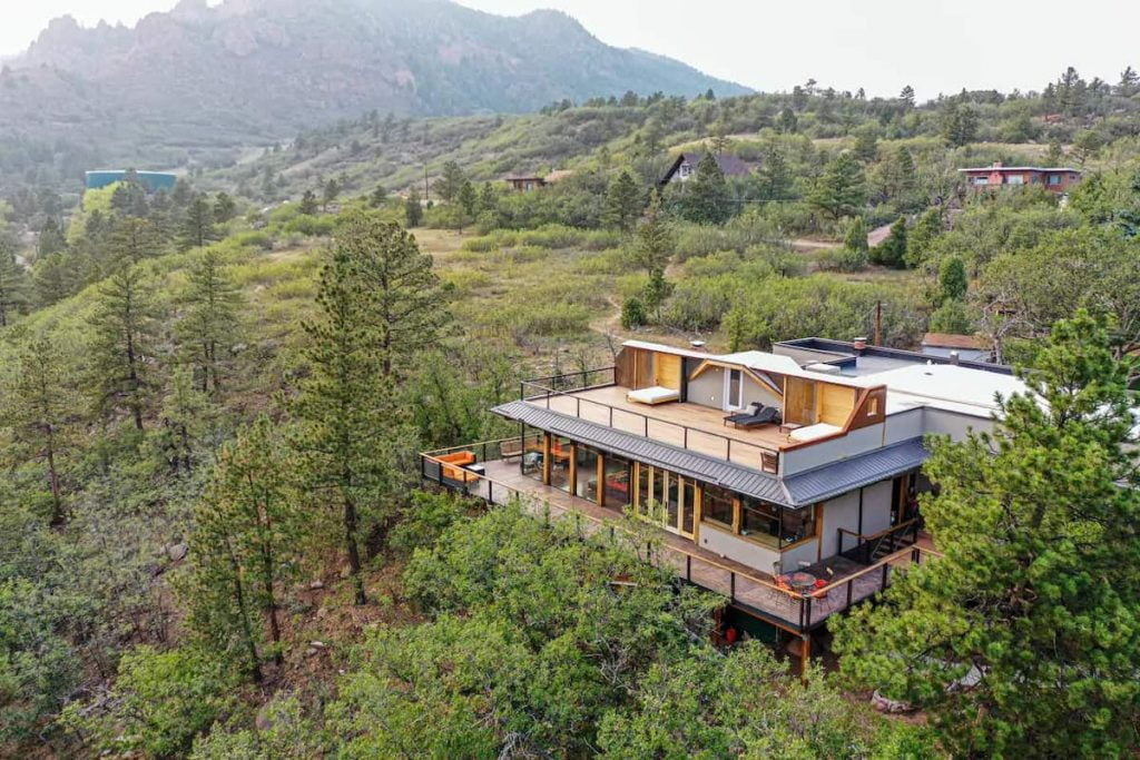 Best Airbnb Colorado Springs Featured Image