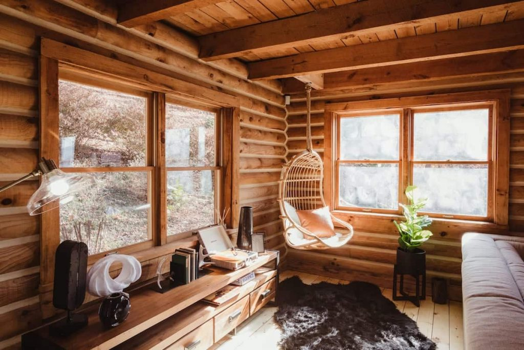 Best Airbnbs in North Carolina Log Cabin With Views And Hot Tub