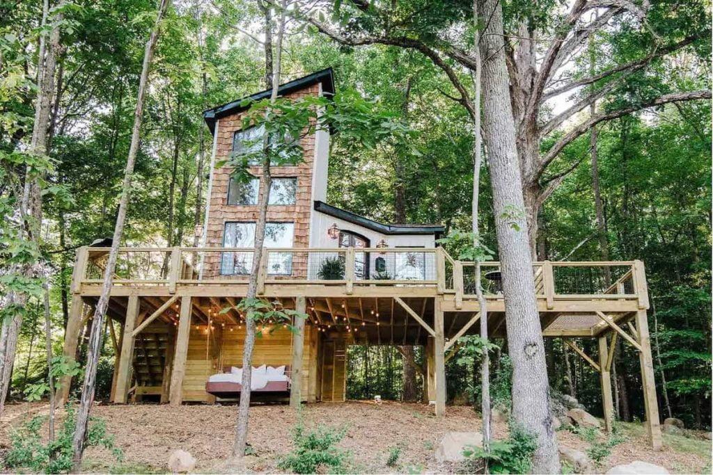 The Carolina Treehouse Airbnbs in North Carolina