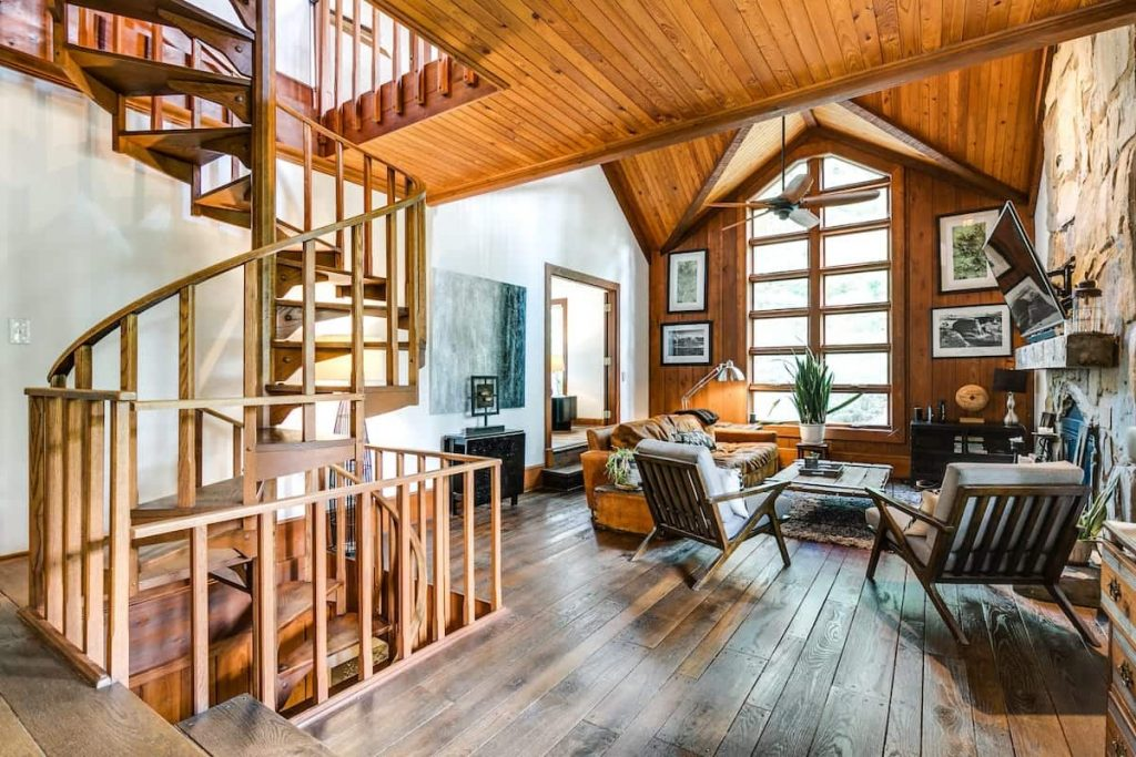 The Lodge On Hyco Airbnbs in North Carolina 10