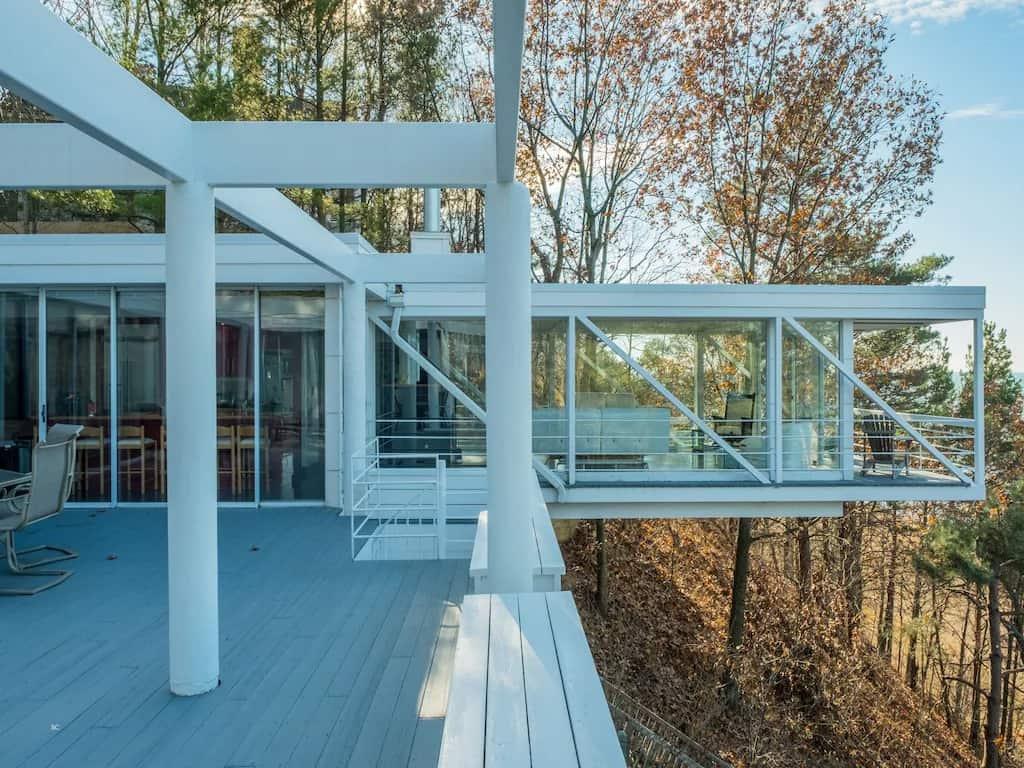 Best Vrbo in Michigan Stunning Mid-Century Beach House