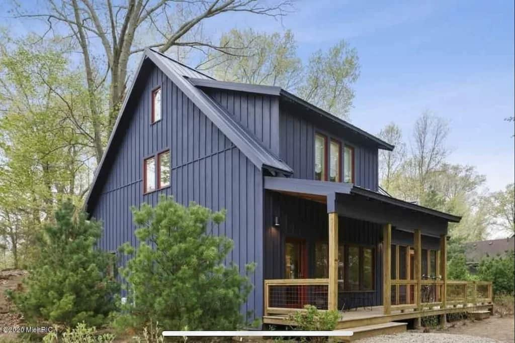 Best Vrbos in Michigan Sophisticated, Modern and Cozy Suburban Home