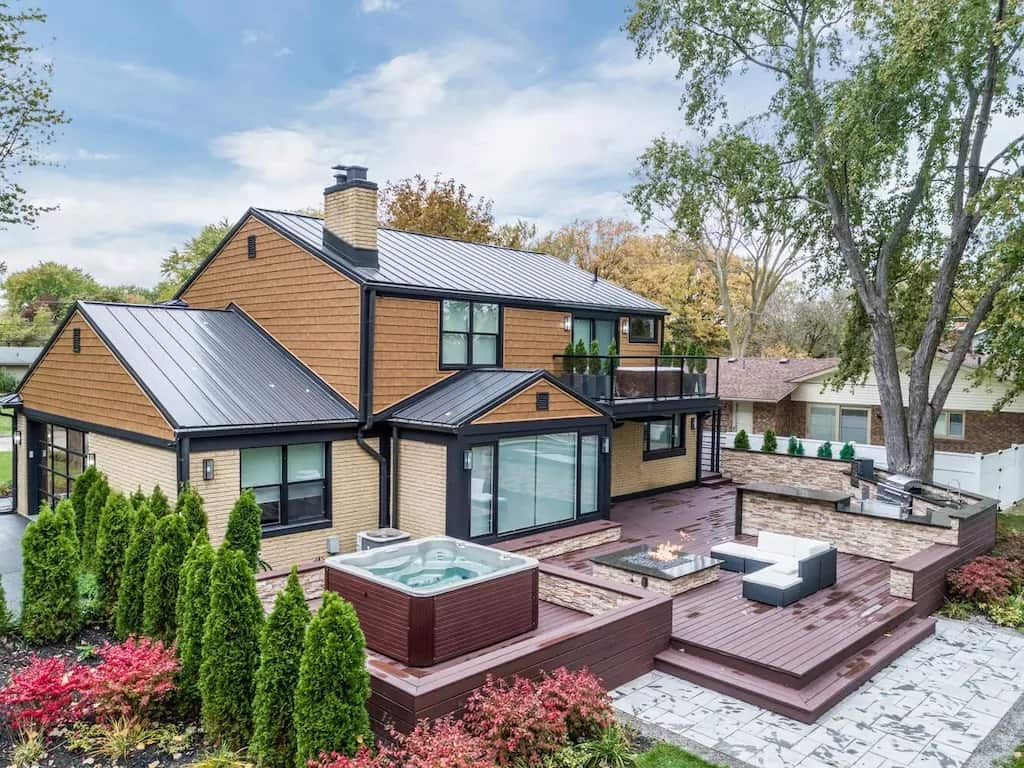 NEW Modern Island Home with a Waterfront! Vrbo in Michigan