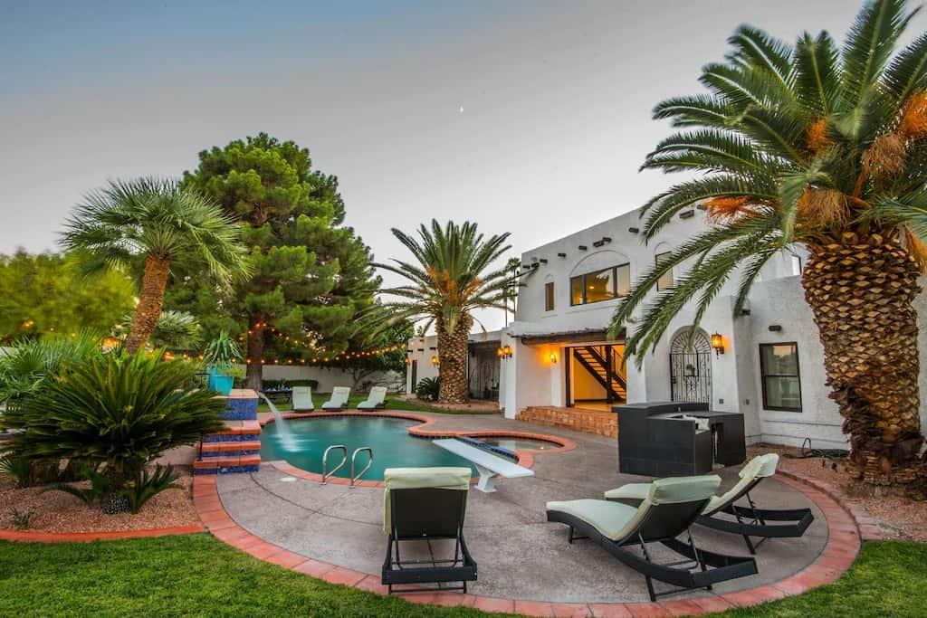 Best Vrbo Las Vegas Vacation Rentals Featured