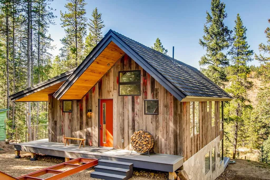 Best VRBO Colorado New Home on the River