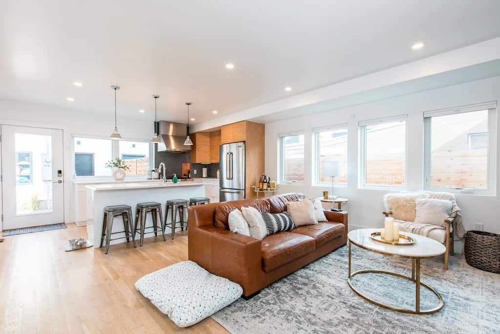 VRBOs in Colorado Modern Luxury Home in the Heart of Denver