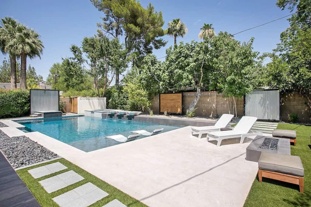 City Vibes in North Central Living VRBO in Phoenix