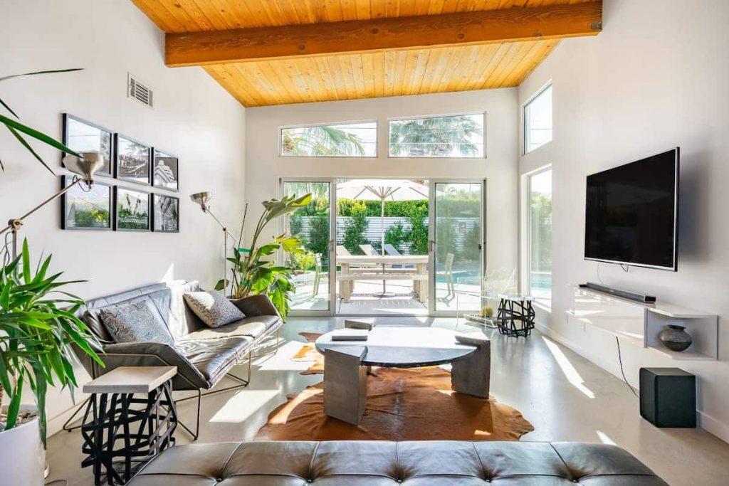 Best Airbnbs in Palm Springs Mid Century Modern Gem
