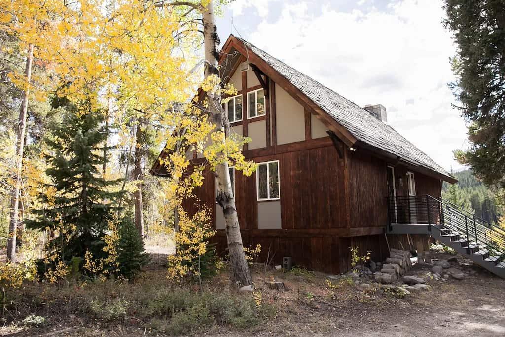 Best VRBO in Breckenridge Modern Cabin Retreat, Steps from Blue River