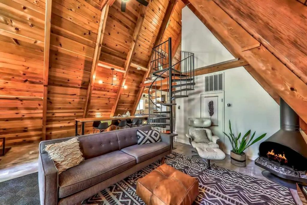 Cutest Chalet with Retro Decor Airbnbs in Lake Tahoe