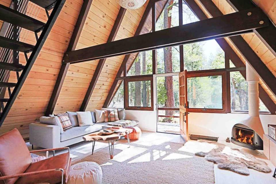 Mid Century Modern Cabin Airbnb in Lake Tahoe